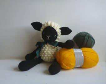 Crochet sheep Amigurumi lamb sheep plush tassel
