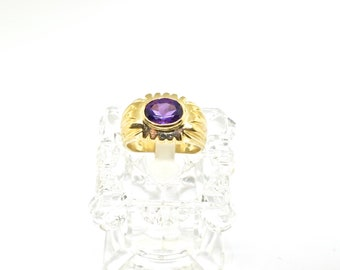 14k Gold And Amethyst Vintage Ring. Size 6.5