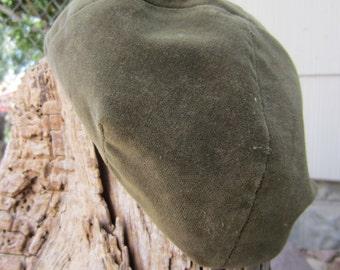 60s Green Velvet Beanie Hat // Vintage Beret // Skull Hat