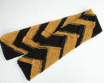Black and Gold Sports Team Scarf / Knit Steelers Scarf / Football Scarf
