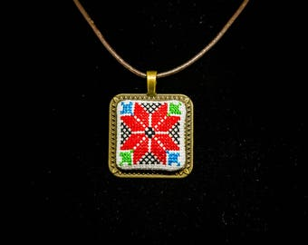 Embroidered Square Flower Necklace