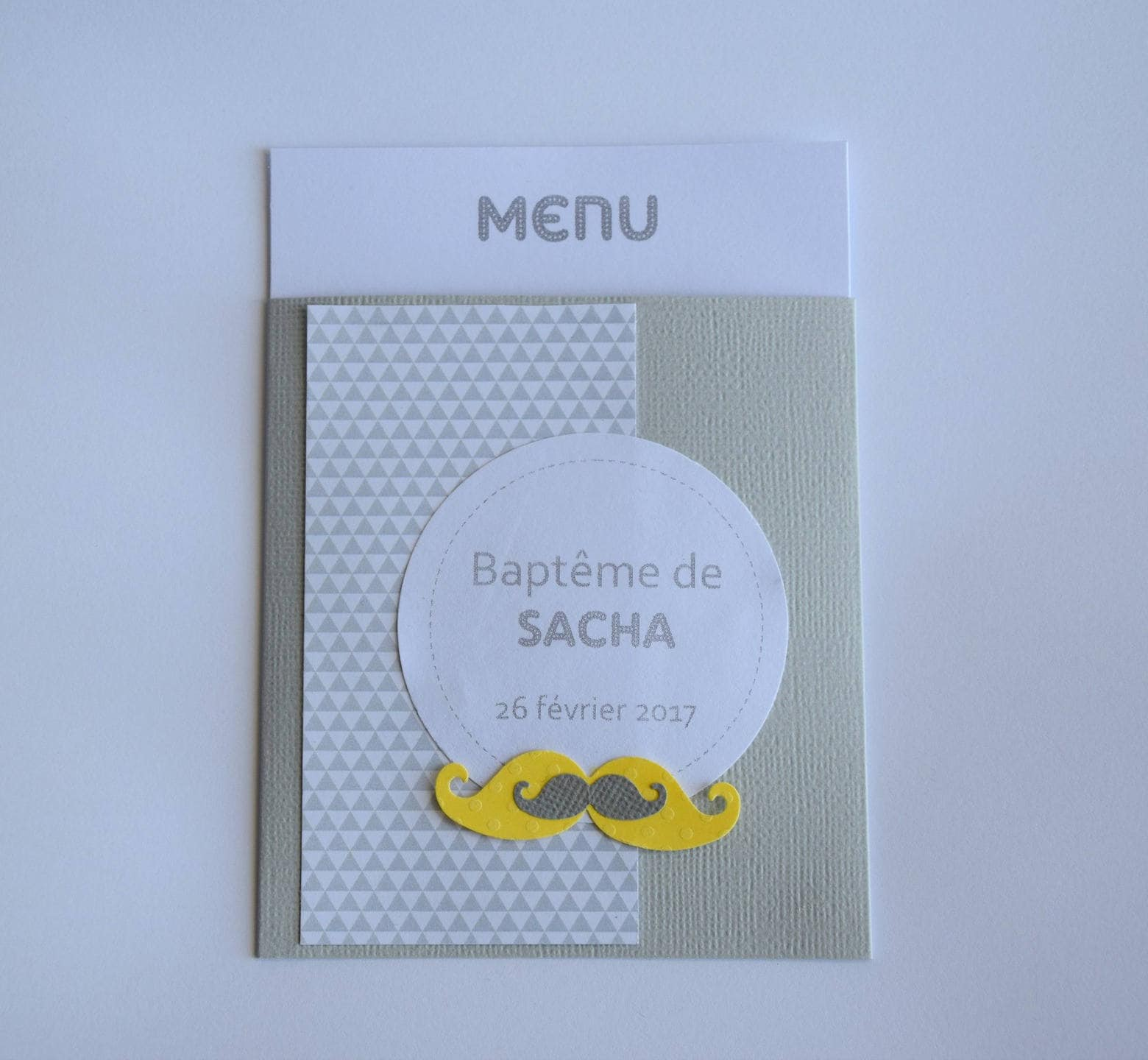 menu de bapt me anniversaire communion moustache gris et. Black Bedroom Furniture Sets. Home Design Ideas
