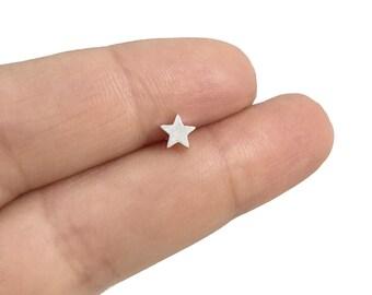 Single star stud earrings in Sterling silver, Star earring, Cartilage stud, Cartilage earring, Single stud, Small studs, Silver studs