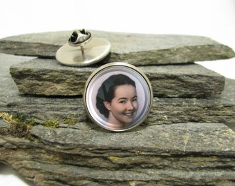 Loved One Photo Pin, gold pin or silver pin, large pin or small pin, personalized lapel pin, Personalized Pin made with your photo