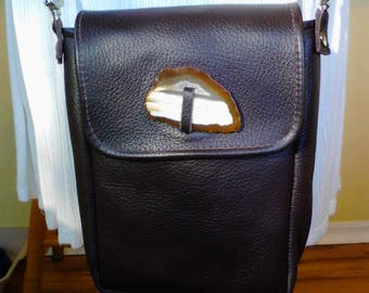 Soft brown leather bag, with agate.