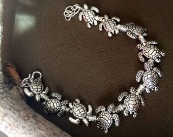 Turtle bracelet,Silver Charm bracelet,Tortoise Bracelet,Hawaii Jewelry,Bohemian Jewelry,Men's bracelet,charm Bracelet By Taneesi