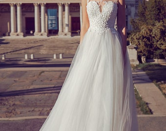 Natalie wedding dress with lace and  heart decoltee