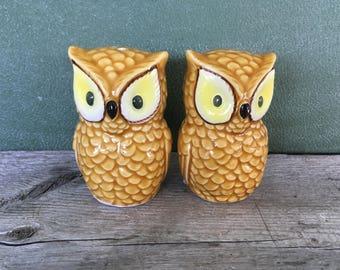 Vintage Japan Salt & pepper shaker owls