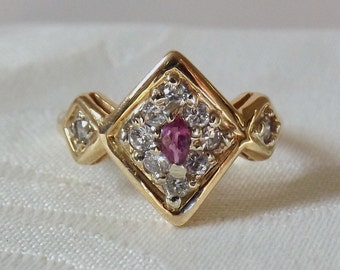 Vintage Estate 14K  Ruby Diamond Ring