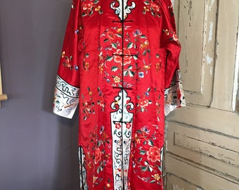 Vintage Chinese Silk Floral Embroidered Robe - Red