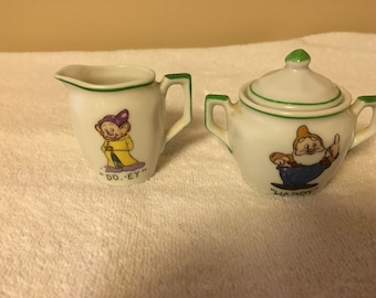 1937 Walt Disney Snow White Creamer and Sugar Bowl/with Lid