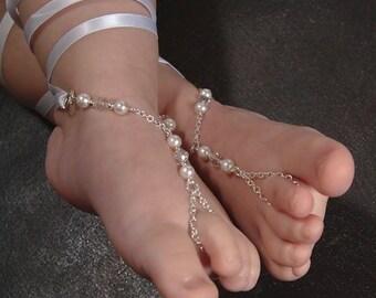 Flower girls sandals, flower girl jewelry, girls barefoot sandals, beach wedding flower girl toe ring anklet. GEORGIA White or Cream