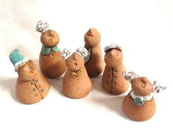 Set of 6 Ceramic figure miniatures, figure ceramic sculpture, statue of 6 tiny people, ceramic and pottery, family sculpture, home decor
