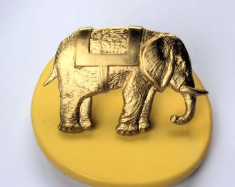Elephant with blanket flexible silicone mold