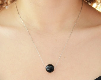Faceted Onyx Necklace / Floating Onyx Necklace / Natural Stone Necklace / Everyday Necklace