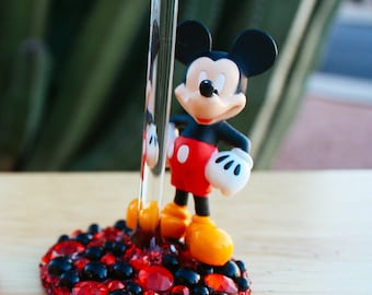 The Main Mouse Wine Glass