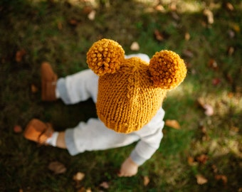 Hat Knitting Pattern // Double Pom Pom Hat Pattern // Toddler Hats // Basic Pom Pom Beanie Pattern // Knitting patterns for babies