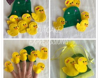 Five Little Ducks Finger Puppet Set - 7pcs  - Comes with Carrying Case - Quiet Time Play Toy - Yellow, Hill, 5, Mom Duck, Bows, Baby