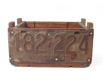 Vintage wood ammo box TAEAB 1931 Virginia license plate man cave