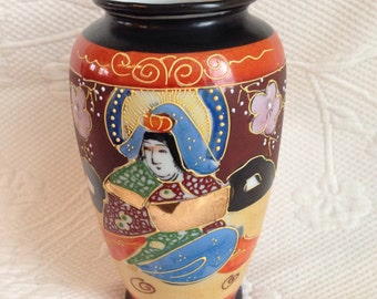 """Goddess"" porcelain Satsuma vase - paint relief / / made in the Japan"