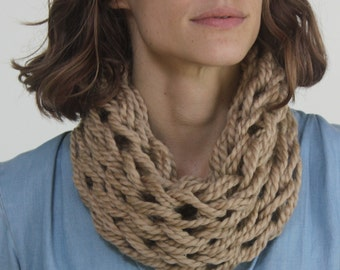 Short Cowl Scarf / Barley / Arm Knitted