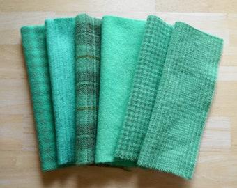 """Teint le tissu laine feutrée en vert Turquoise - Aqua Quilting, couture, laine Applique dans une taille 7-8 """"x 5-6"""" à la main"""