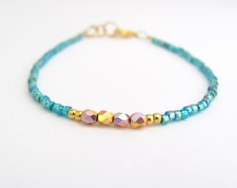 Ocean Turquoise Blue Bracelet Dainty Minimal Turquoise Spring Summer Friendship Beaded Jewelry Seed Beads Czech Glass Gold AB Minimal Modern