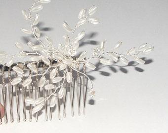 Laurel Wedding Hair Comb. Pearl Hair Comb, Wedding Hair Accessory, Bridal Hair Comb.