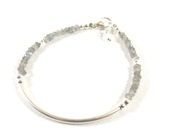 Bracelet 925 half-ring and faceted gemstones of Labradorite