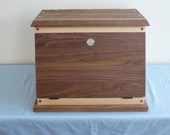 Hard Maple/Black Walnut Bread Box