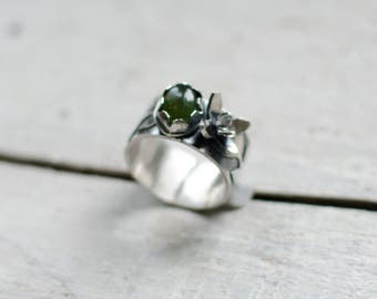 massive silver ring, flower, nature, green, tourmaline, botanical