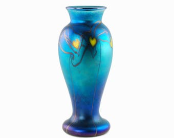 Vintage Orient and Flume Hearts and Vines Iridescent Blue Art Glass Vase