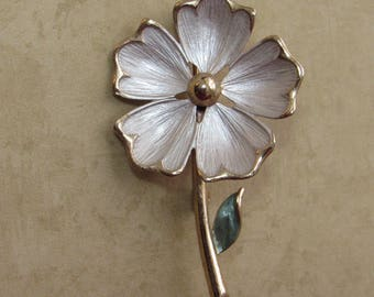 Vintage Pastelli White Flower Brooch