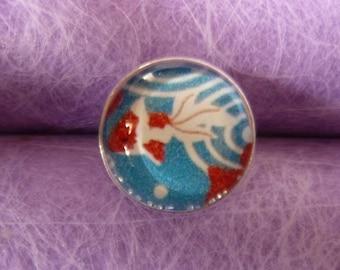 Glass fish 1 cabochon ring
