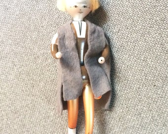 Vintage Soffieria De Carlini Italian Blown Glass Ornament, Woman with Hat & Coat, Christmas/Holiday Decoration, Italy