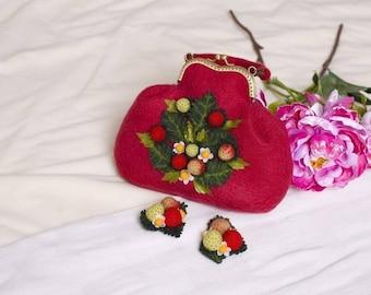 Felt bag Wool felted bag Felt purce Felted strawberries bag Felt hand bag Women's red bag with felted berries Red felt bag Gift for her