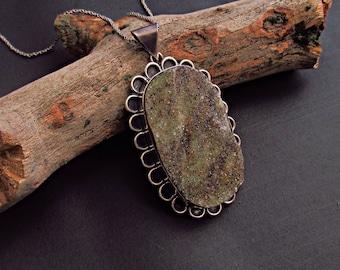 Chrysoprase Pendant.Gemstone Pendant.Chrysoprase.Handmade.Gypsy.Hippie.Vintage.Boho.Bohemian.Gift.Stone Necklace.Raw Stone Necklace.Raw Gems