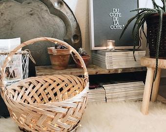 Large woven Wicker picnic basket