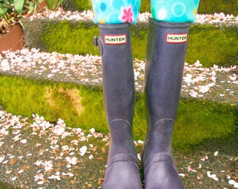 SLUGS Fleece Rain Boot Liners Turqoise with a Colorful Flower Cuff,  Spring Summer Gardening Style, Mothers Day Gift (Sm/Med 6-8)