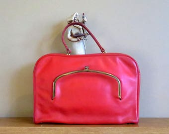 Dads Grads Sale Bonnie Cashin Coach Attache' In Red Leather With Brass Kisslock- Made In New York City- Very Rare