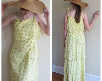 Vintage 1970s Yellow Floral Print Maxi Dress Boho Romantic  / 70s Summer Dress Spaghetti Straps Ruffled Tiers / Medium