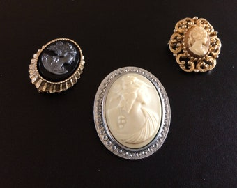Instant Cameo Collector. Eight Pieces Included.