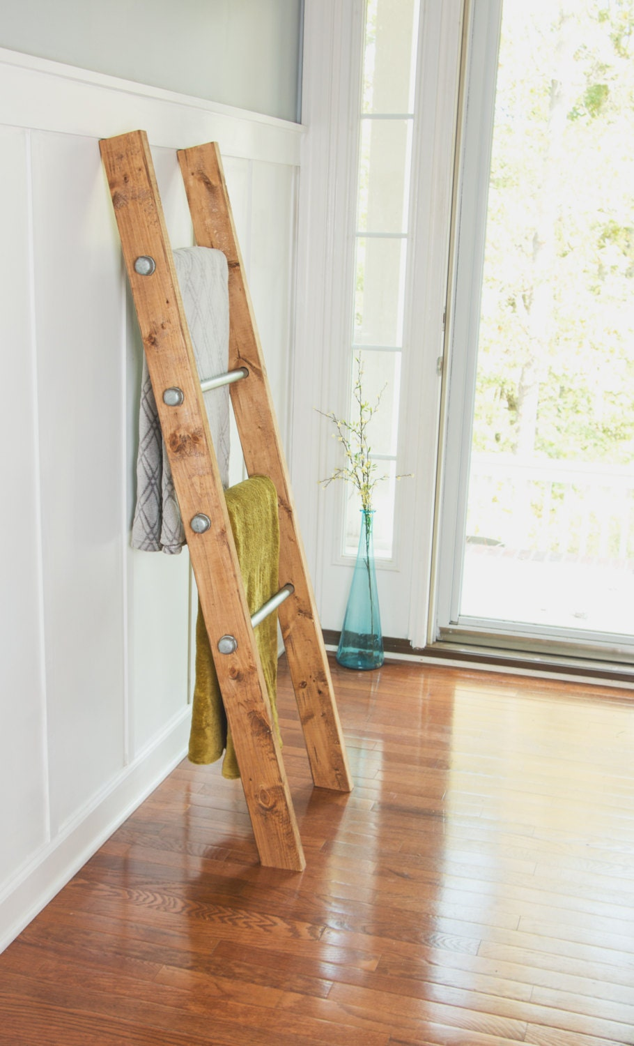 Wooden Ladder Rustic Blanket Bathroom Storage