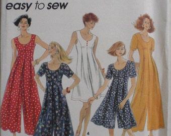 Simplicity 8235 - Misses/Misses Petite Jumpsuit in Two Lengths - Sizes 6-8-10, Bust 30 1/2 - 32 1/2 - Uncut