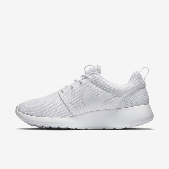 Roshe Nike Crystals Mickey w with Swarovski print Mouse Or White Minnie Mouse heel Blinged SWAROVSKI® 5EtqwAW6wn
