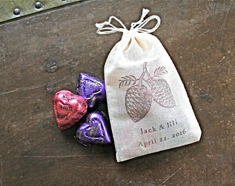 Wedding favor bags, set of 50 personalized cotton bags,  brown pine cones with names and date, woodland wedding, fall autumn wedding, shower
