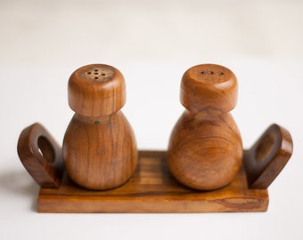 Salt and pepper Vintage salt and pepper, olive with support, shakers, rustic wood wood Mallorca, salt and pepper shakers