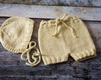 Newborn Bonnet & Shorts Set - Yellow - UK Seller - Photo Prop