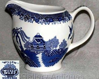 Vintage Art Deco Woods Ware Blue & White Willow Pattern Large Breakfast Milk Jug c.1930's (ref: 2280)
