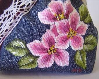 Coin purse. Metal frame purse. Kisslock coin purse. Denim purse. Hand painted.